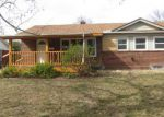 Foreclosed Home en E WATSON LN, Wichita, KS - 67207