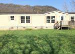 Foreclosed Home en FOURTH AVE, Hampton, TN - 37658