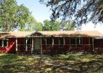Foreclosed Home en CAMELOT LN, San Antonio, TX - 78264