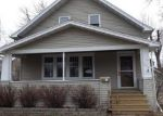 Foreclosed Home en DIVISION ST, Neenah, WI - 54956