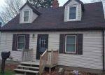Foreclosed Home en RIEHL ST, Waterloo, IA - 50703
