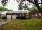 Foreclosed Home en APACHE TRL, Baytown, TX - 77521