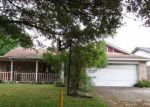 Foreclosed Home en MOLINA DR, Angleton, TX - 77515