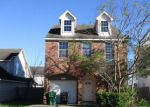 Foreclosed Home en ROBERSON ST, Houston, TX - 77085