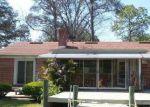 Foreclosed Home en HYDE PARK PL, Jacksonville, FL - 32210