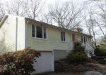 Foreclosed Home en TORRY RD, Tolland, CT - 06084