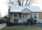 Foreclosed Home en LAMBRECHT AVE, Eastpointe, MI - 48021