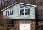 Foreclosed Home en BREAKNECK RD, Highland Lakes, NJ - 07422