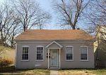 Foreclosed Home en E 6TH ST, Alton, IL - 62002