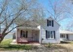 Foreclosed Home en S CLINTON ST, New Athens, IL - 62264