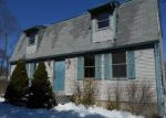 Foreclosed Home en HARRIS AVE, West Warwick, RI - 02893