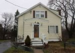 Foreclosed Home en HENRY AVE, Stratford, CT - 06614