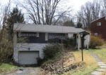 Foreclosed Home en WINIFRED DR, Pittsburgh, PA - 15236
