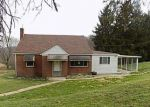 Foreclosed Home en DOMINIC DR, Coal Center, PA - 15423