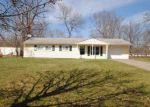 Foreclosed Home en UPPINGHAM RD, Bedford, OH - 44146