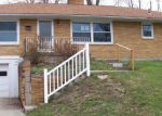 Foreclosed Home en CLOVERNOOK DR, Hamilton, OH - 45013
