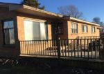 Foreclosed Home en BARNARD RD, Charlevoix, MI - 49720