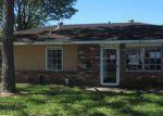 Foreclosed Home en HOLMES BLVD, Gretna, LA - 70056