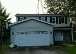 Foreclosed Home en PARKSIDE TER, Crystal Lake, IL - 60012