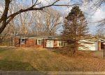 Foreclosed Home en BRIARCLIFF DR, Alton, IL - 62002