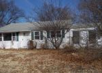 Foreclosed Home en HILLCREST RD, Enfield, CT - 06082