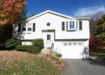 Foreclosed Home en LIBERTY LN, Torrington, CT - 06790
