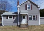 Foreclosed Home en QUINEBAUG RD, North Grosvenordale, CT - 06255