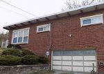 Foreclosed Home en HORSESHOE DR, Bethel Park, PA - 15102