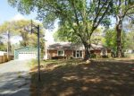 Foreclosed Home en GAYLE LN, Longview, TX - 75605