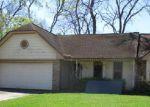 Foreclosed Home en MISTLETOE ST, Lake Jackson, TX - 77566