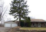 Foreclosed Home en E GLASS RD, Ortonville, MI - 48462