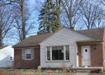 Foreclosed Home en DELAWARE AVE, Redford, MI - 48240