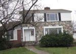 Foreclosed Home en W OUTER DR, Detroit, MI - 48223