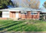 Foreclosed Home in GREENWICH RD, Louisville, KY - 40218