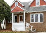 Foreclosed Home en E QUINCY ST, Westmont, IL - 60559