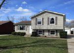 Foreclosed Home en N HARPER RD, Waukegan, IL - 60087