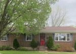 Foreclosed Home en ATLANTA PKWY, Louisville, KY - 40214