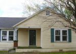 Foreclosed Home en W HILLCREST DR, Springfield, TN - 37172