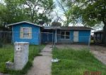 Foreclosed Home en ANDERSON ST, Seguin, TX - 78155