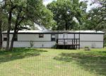 Foreclosed Home en HICKORY HILL DR, La Vernia, TX - 78121
