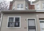 Foreclosed Home en W RAYMOND ST, Philadelphia, PA - 19140