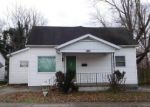 Foreclosed Home en W MADISON ST, Herrin, IL - 62948