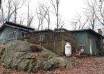 Foreclosed Home en HEMLOCK TER, Sparta, NJ - 07871