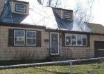 Foreclosed Home en ACKERMAN ST, Central Islip, NY - 11722