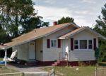 Foreclosed Home en E ELM ST, Central Islip, NY - 11722