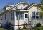 Foreclosed Home en HUTCHINSON ST, Trenton, NJ - 08610