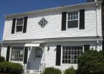 Foreclosed Home en WOODSIDE AVE, West Warwick, RI - 02893