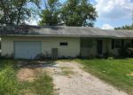 Foreclosed Home en SELMAVILLE RD, Salem, IL - 62881