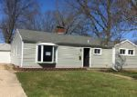 Foreclosed Home en CREST AVE, South Bend, IN - 46614