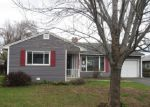 Foreclosed Home en S 28TH AVE, Yakima, WA - 98902